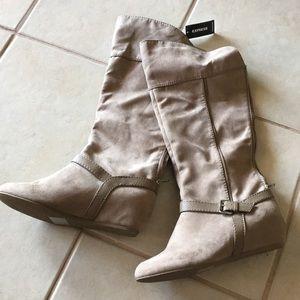 Express NWT Zip up Boots